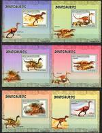 A{121} Mozambique 2007 Dinosaurs 6 S/S Deluxe MNH** - Mozambique