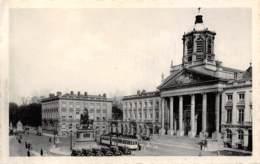 BRUXELLES - La Place Royale, L'église St-Jacques Et Le Monument Godefroid De Bouillon - Places, Squares