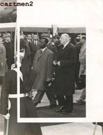 PHOTOGRAPHIE ANCIENNE LE GENERAL DE GAULLE ET FRANCOIS TOMBALBAYE TCHAD PRESIDENT AFRICAIN - Personnages