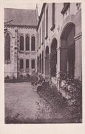ST LAURENT EN BRIONNAIS                         Cour De La Chapelle - France