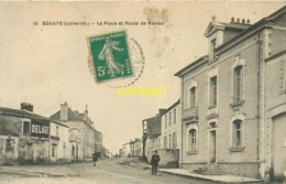 44 Bouaye, La Place Et Route De Nantes, Affranchie 1915, Cliché Pas Courant - Bouaye
