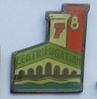 SYa14 Pin's Syndicat CGT Chimie Pechiney Saint Gobain Pont à Mousson Centrifugation Meurthe Moselle - Città
