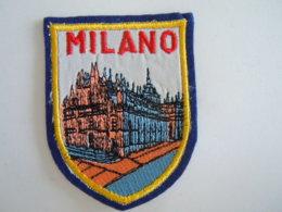 Milano Ecusson En Tissu Schild Blazoen 5,5 X 7,2 Cm - Ecussons Tissu