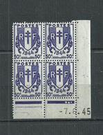 FRANCE  N°  673  BLOC  DE  4  COIN  DATE  7/6/45  CHAINES  BRISEES  NEUFS ** - Coins Datés