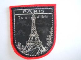 Paris Tour D'Eiffel Ecusson En Tissu Schild Blazoen 5,7 X 7 Cm - Patches