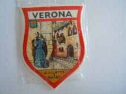 Verona Italia Ecusson En Tissu Schild Blazoen 5,8 X 7,8 Cm - Ecussons Tissu