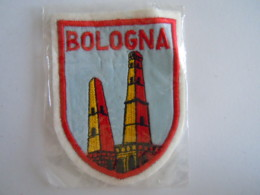 Bologna Italia Ecusson En Tissu Schild Blazoen 5,7 X 7,3 Cm - Ecussons Tissu