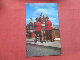 Police Royal Canadian Mounted Police Canada       Ref 3414 - Police - Gendarmerie