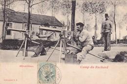 37. MILITARIA. AVON LES ROCHES .CPA. CAMP DU RUCHARD.  MITRAILLEUSES. ANNEE 1906 - Casernes