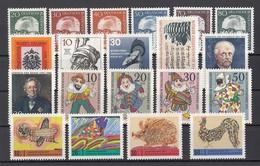 (12) Berlin 1970-1971 - 20 Unbenutzte Briefmarken ** MNH - Michel-Nr. Siehe Beschreibung - Berlin (West)