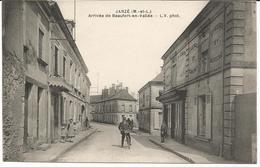 JARZE *** Arrivée De Beaufort En Vallée  ***    Cpa Peu Courante Et Animée - Other Municipalities