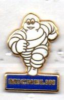 PIN'S MICHELIN BIBENDUM - Pin's & Anstecknadeln