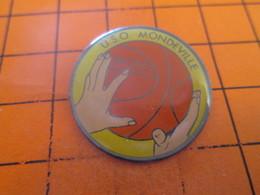 615e Pin's Pins / Beau Et Rare / THEME : SPORTS / BASKET-BALL USOM CLUB MONDEVILLE - Basketball