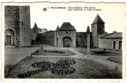 THY-LE-CHÄTEAU   Vieux Château  Cour Intérieure Et Porte D' Entrée - Walcourt
