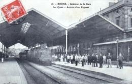 51 - Marne - REIMS - Interieur De La Gare - Les Quais - Arrivée D Un Train Express - Reims