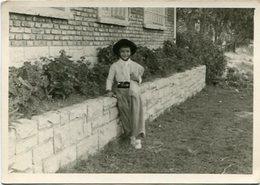 CHILD WITH GAUCHO SUIT, NIÑO CON ROPA DE GAUCHO, GARÇON. ARGENTINA FOTO PHOTO YEAR 1949 SIZE: 9X14 CM -LILHU - Personas Anónimos