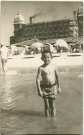 BOY ON THE BEACH, NIÑO EN LA PLAYA, GARÇON A LA PLAGE. FOTO PHOTO CIRCA 1950's ARGENTINA SIZE: 9X14 CM -LILHU - Personas Anónimos