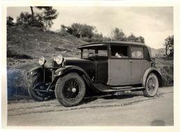 Snapshot Femme Dans Une Voiture Automobile Ancienne Vers 1920-1930 - Automobiles