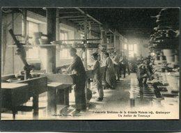 CPA - Faïencerie Bretonne De La Grande Maison I-B, QUIMPER - Un Atelier De Tournage, Animé - Quimper