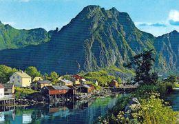 1 AK Norwegen Lofoten * Ansicht Von Svolvær - Im Hintergrund Der Berg Svolværgeita * - Norwegen