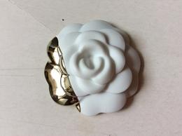 Camelia Rigide Chanel Blanc&argent - Cartas Perfumadas