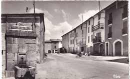 BROVES  -  CENTRE DU VILLAGE - Francia