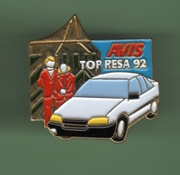 AVIS *** TOP RESA 92 *** 1018 - Badges