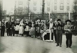 BRETONS élection Duchesse à Paris 1935 Grande Photo - Photos