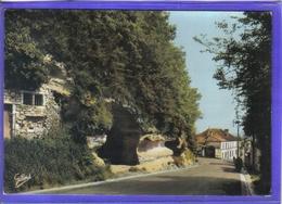 Carte Postale 17. Archiac  Rue Basse Rochers Du Chateau Très Beau Plan - Frankrijk