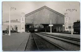 RARE - 35 - SAINT MALO - Carte PHOTO - Arrière Gare Interieur  - Les Quais - Les Rails - - Saint Malo