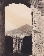 TAORMINA TAORMINE SICILE  Vue Du Théâtre Grec Août 1926 Photo Amateur Format Environ 6,5 Cm X 5,5 Cm - Luoghi