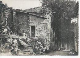 ST-GUILHEM-LE-DESERT - VESTIGES DE L'EGLISE SAINT-LAURENT ET MONUMENT AUX MORTS - Francia