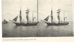 Carte Stéréoscopique Au Bord De La Mer 5 TROIS MATS CARGUANT SES VOILES  LL - Cartes Stéréoscopiques