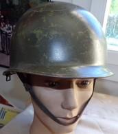 CASQUE MILITAIRE GENRE AMERICAIN AVEC SOUS CASQUE LEGER MODELE OTAN DE TAILLE 59-60, PAS DE MARQUAGE DANS LE CASQUE LOUR - Headpieces, Headdresses