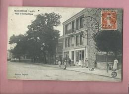 CPA - Franconville  -  (S-et-O) - Place De La République - Franconville