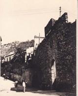 TAORMINA 1926 Porte De Catane Photo Amateur Format Environ 7,5 Cm X 5,5 Cm - Lieux
