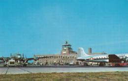 Greater Cincinnati Ohio Airport In Kentucky, Propeller Planes On Tarmac, Terminal Building, C1950s Vintage Postcard - Aerodromes