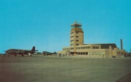 Hector Airport Fargo North Dakota, Admin Building Propeller Planes On Tarmac, C1950s Vintage Postcard - Aerodromes