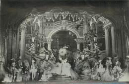 """LOT 5 PHOTOS CABARET / SPECTACLE PARIS """"les Folies Bergères"""" / Dans Sa Pochette - Cabarets"""