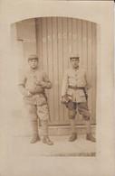 CARTE-PHOTO---MILITAIRE--photographie Militaire BORDEAUX  Rue Du Hautoir--voir 2 Scans - Casernas