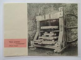 (1960) Cité De PEROUGES - Vieux Pressoir  - Coupure De Presse Originale (Encart Photo) - Documents Historiques