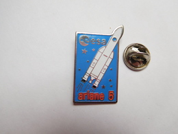 Beau Pin's , Espace , ESA , Aérospatiale , Fusée Ariane 5 , Kourou , Guyane - Space