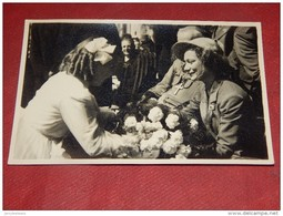 HOUYET  - PRINCESSE JOSEPHINE CHARLOTTE En Visite à Houyet Le 13-07-1952 - Koninklijke Families