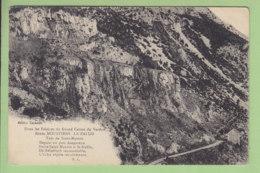 Route De MOUSTIERS à LA PALUD : Falaises Du Grand Canon Du Verdon. 2 Scans. Edition Carbonel - Unclassified