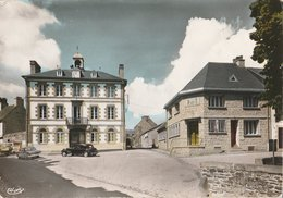 PONTRIEUX (C.-du-N.). La Mairie Et La Poste (Poste & Facteurs). Voitures Dont Citroën Traction - Pontrieux