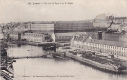 BREST - Vue Sur Le Port Et Le 2è Dépôt - Brest
