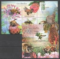 S993 2011 UNION DES COMORES FAUNE FLORE MINERAUX LES ABEILLES BEES INSECTS 1KB+1BL MNH - Abeilles