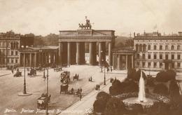 Berlin, Pariser Platz Und Brandenburger Tor Ngl #F7163 - Germany