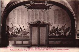 AUXERRE COLLEGE DE JEUNES GENS ,AU PARLOIR ,TABLEAU ERIGE A LA MEMEOIRE DES ANCIENS ELEVES MORTS AU CHAMP   REF 60178 - Monuments Aux Morts