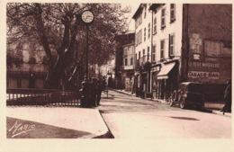 Le Luc - Rue De La République- ** Belle Cpa Neutre** Ed Gassier N°23 - Le Luc